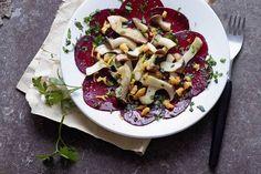 Das Rezept für Gebratene Kräuterseitlinge auf Rote-Bete-Carpaccio mit allen nötigen Zutaten und der einfachsten Zubereitung - gesund kochen mit FIT FOR FUN