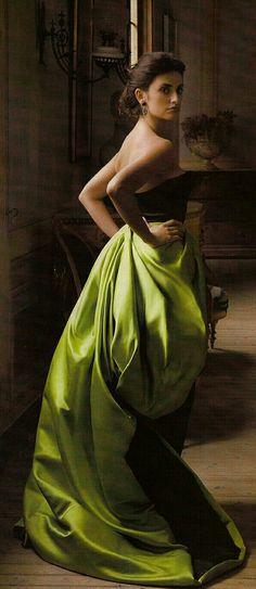 Penelope Cruz in Olive for VOGUE Spain in December of 2007 Wearing Oscar de la Renta.