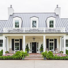 Southern Home with Neutral Interiors - Home Bunch - An Interior Design & Luxury Homes Blog
