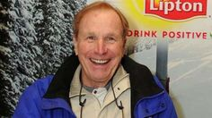 Wayne Rogers, whose Trapper John McIntyre on M. was among the most beloved characters on one of the most popular shows of all time, died Thursday. Wayne Rogers, Alan Alda, Popular Shows, Best Tv Shows, Famous People, Lost, Memories, Actors
