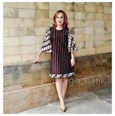Model Dress Batik, Batik Dress, Blouse Batik Modern, Dress Batik Kombinasi, Batik Blazer, Mode Batik, Nice Dresses, Casual Dresses, Batik Fashion