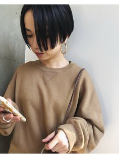 Asian Bangs, Grown Out Pixie, Normcore Fashion, Blunt Bob, Hair Images, Grow Out, Short Bob Hairstyles, How To Make Hair, Short Hair Styles