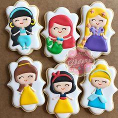 Disney Princess Cookies, Disney Princess Birthday Party, Disney Cookies, Cinderella Birthday, Best Sugar Cookies, Fancy Cookies, Cute Cookies, Fondant Cookies, Royal Icing Cookies