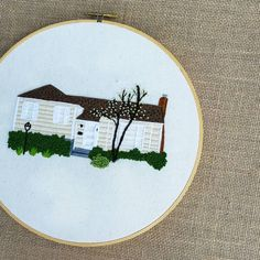 Embroidery Applique, Cross Stitch Embroidery, Embroidery Patterns, Portrait Embroidery, Cross Stitch House, Trees To Plant, Artsy Fartsy, Hand Stitching, Landscapes