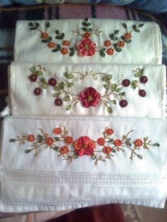 Wonderful Ribbon Embroidery Flowers by Hand Ideas. Enchanting Ribbon Embroidery Flowers by Hand Ideas. Ribbon Embroidery Tutorial, Simple Embroidery, Hand Embroidery Stitches, Silk Ribbon Embroidery, Hand Embroidery Designs, Embroidery For Beginners, Embroidery Techniques, Crazy Quilting, Brazilian Embroidery
