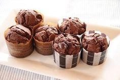 チョコカップケーキ Dessert Recipes, Desserts, Muffin, Cooking Recipes, Cupcakes, Sweets, Breakfast, Foods, Recipes