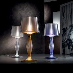 #Liza  این آباژور رومیزی با ظرافت خیره کننده ی خودش با الهام گیری از آثار باروک طراحی شده است.   اطلاعات بیشتر این چراغ رومیزی در وبسایت تیسرا http://www.tiserra.com/fa/Home/product/3344