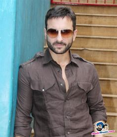 Picture # 21494 of Saif Ali Khan with high quality pics,images,pictures and photos. Wedding Dress Men, Indian Wedding Outfits, Saif Ali Khan Kurta, Indian Men Fashion, Punjabi Fashion, Mens Fashion, Mens Kurta Designs, Churidar Designs, Casual Shirts For Men