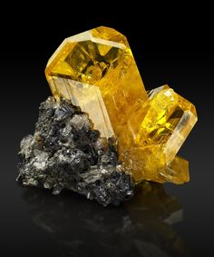 Anglesite from Touissit, Touissit District, Jerada Province, Oriental Region, Morocco Minerals And Gemstones, Rocks And Minerals, Natural Gemstones, Rare Gems, Beautiful Rocks, Mineral Stone, Rocks And Gems, Mellow Yellow, Stones And Crystals