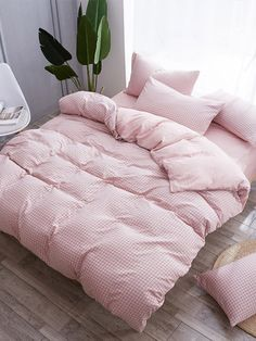 A duvet cover surrounds your comforter or duvet to keep it protected and clean. It is like a massive pillowcase for your duvet that can be washed separately. Small Room Bedroom, Bedroom Sets, Girls Bedroom, Bedroom Decor, Bedrooms, Cute Bedding, Pink Bedding, Bedding Sets, Luxury Bedding