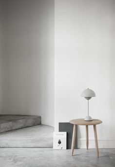 Concrete  floor in a minimalistic danish house / Interior * Minimalism by LEUCHTEND GRAU