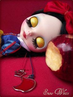 Snow White..sleepy beauty.. *ADOTADA* ADOPTED*