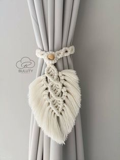 Macrame Design, Macrame Art, Macrame Projects, Macrame Knots, Macrame Modern, Modern Boho, Modern Window Treatments, Macrame Wall Hanging Patterns, Free Macrame Patterns