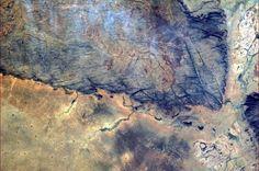 «Je vois un caméléon dans cette photo prise au dessus du désert sub-saharien.» Chris Hadfield / Twitter