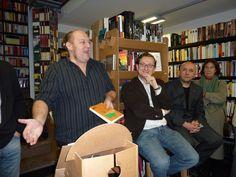 Félix Romeo y Luis Alegre junto a José Luis Melero que presentaba «La vida de los libros».