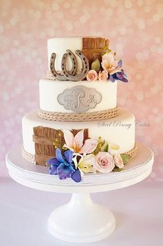 Love the detail on this western wedding cake!