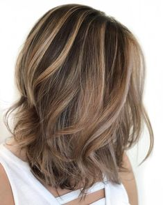 Balayage Blonde Ends - 20 Fabulous Brown Hair with Blonde Highlights Looks to Love - The Trending Hairstyle Blonde Streaks, Brown Hair With Blonde Highlights, Brown Balayage, Hair Highlights, Chunky Highlights, Caramel Highlights, Partial Highlights, Peekaboo Highlights, Purple Highlights