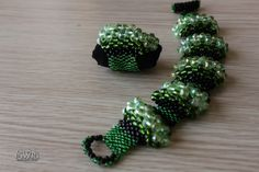 Emerald Green Black Crystal Gemstone Women Bracelet and Ring by GregzCollection on Etsy