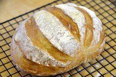 Novità eccezionale!! Il pane artigianale in casa in 5 minuti al giorno, si avete letto bene, in soli 5 minuti di lavorazione al giorno! Provate per credere!