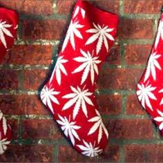 5 Perfect Holidaze Glass Pieces That Will Get You Lit This Christmas - http://houseofcobraa.com/2016/12/24/54632/