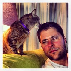 "Stella: ""I iz Inspektur Kitteh. I iz hear to inspekt."" Daddeh: ""Inspect what?"" Stella: ""Wot u got?""  #SimonAndStellaCats #Stella #Simon #cats #cat #kitty #kitties #kitteh #kittehs #gato #gatos #monkeybuns #furpig #neko"
