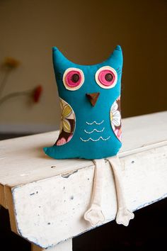 tu veux être mon doudou?  I don't know what that says... but I know I like the birds and owls!
