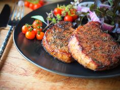 Grilled Pork Chops, Bbq Tools, Outdoor Cooking, Tandoori Chicken, Salmon Burgers, Grilling, Meals, Ethnic Recipes, Food