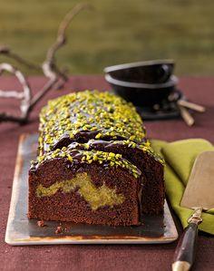 Schokokuchen mit Pistazienmarzipan -  Sehr schokoladiger und saftiger Kastenkuchen
