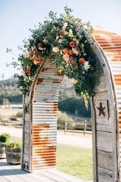 #rustic  Photography: Jen Rodriguez - www.jen-rodriguez.com  Read More: http://www.stylemepretty.com/2015/04/24/rustic-fall-wedding-holland-ranch/