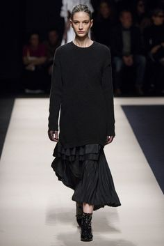 #No.21 #FW2015_16 #trends #baggy #extraLength #pleated #Catwalk #MFW #Milano
