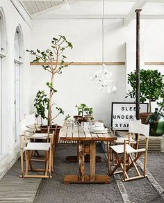 Rustic and #green dining area. Love this! #LoveNature