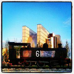 Locomotora en la ciudad. #igerszgz