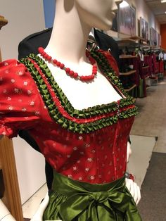 Kastner&Öhler Austrian Tradition details 2nd floor 2nd Floor, Christmas Sweaters, Traditional, Detail, Fashion, Accessories, Moda, La Mode, Christmas Jumper Dress