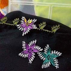 Fotoğraf açıklaması yok. Pineapple Print, Needle Lace, Bargello, Filet Crochet, Baby Knitting Patterns, Tatting, Needlework, Brooch, Diy Crafts