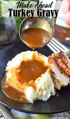 Make ahead turkey gravy is a must for a stress free Holiday dinner. I guarantee this rich, smooth turkey gravy is a total lifesaver! Make Ahead Turkey Gravy, Best Turkey Gravy, Turkey Gravy Without Drippings, Homemade Turkey Gravy, Thanksgiving Recipes, Holiday Recipes, Thanksgiving 2020, Thanksgiving Gravy, Winter Recipes