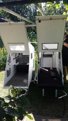 Bildergalarie - Wohnwagen für's Fahrrad Webseite! Diy Camper Trailer, Trailer Tent, Tiny Camper, Micro Campers, Living In Car, Tent Living, Tiny Mobile House, Homemade Camper, Tiny Trailers