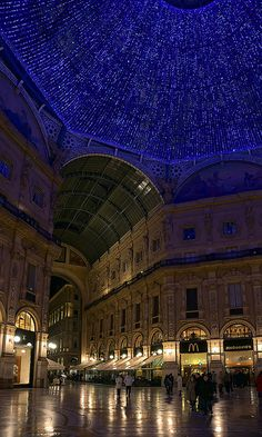 Galleria Vittorio Emanuele II, Milan, Italy - Things you must see when visiting Milan. Breathtaking