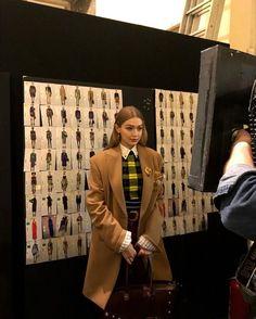Estilo Ivy, Estilo Gigi Hadid, Fashion Models, Fashion Show, Models Off Duty, School Fashion, Dream Life, Dream Job, Mode Inspiration