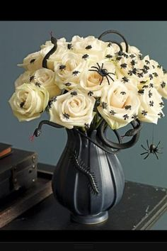Have fun with spooky accents to make roses fitting for Halloween! Shop roses year-round in a variety of colors at GrowersBox.com!