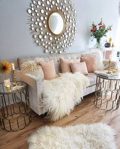 Having small living room can be one of all your problem about decoration home. To solve that, you will create the illusion of a larger space and painting your small living room with bright colors c… Living Room Decor 2018, Glam Living Room, Cozy Living Rooms, Interior Design Living Room, Home And Living, Living Room Designs, Living Room Furniture, Rustic Furniture, Small Living