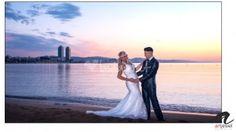 Post Boda en Barcelona  #artjesiel #weddingday #weddinglights #weddingphotography #weddingphotographer #weddingphotograph #weddingphotos #beautifulday #bestwedding #lovestory #wedding #barcelona #spain #bodas #portrait #photographer #photobook #postboda #preboda #hotelw #barceloneta