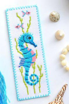 Cross Stitch Pillow, Cross Stitch Books, Cross Stitch Bookmarks, Mini Cross Stitch, Simple Cross Stitch, Modern Cross Stitch, Cross Stitch Flowers, Cross Stitch Patterns Free Easy, Cross Stitch Beginner