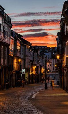 Llegada en el atardecer a Santiago de Compostela
