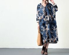 Robes, Bleu coton lin imprimé à encolure en V Maxi Dress est une création orginale de camilleyuxi sur DaWanda