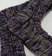 Love the cabely pattern...Ravelry: Maurandya Socks pattern by Virginia Rose-Jeanes