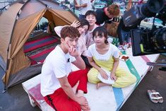 "Park Seo-joon, Kim Ji-won, Ahn Jae-hong, Song Ha-yoon in ""Fight My Way"" 2017 Korean Celebrities, Korean Actors, Korean Dramas, Goblin, Fight My Way, Moonlight Drawn By Clouds, Foto Jungkook, Park Seo Jun, W Two Worlds"