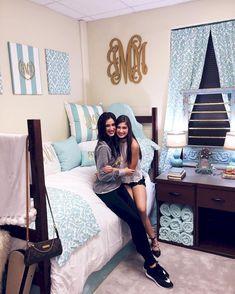 College Dorm Room Organization Ideas (48)