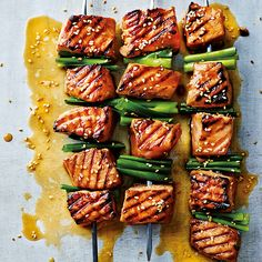 We love a good wasabi hit, and there's no denying the effect it can have on the respiratory system. The flavours of salmon and wasabi are a perfect match. Fuse them together in this healthy, midweek recipe. Serves 1