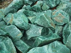Aventurine; a very positive stone, often used to grid houses from stress. Wearing Aventurine helps bring together the intellectual and emotional bodies. Stabilizes ones state of mind, recognizing alternatives and possibilities. Also believed to help bring prosperity and promote leadership.