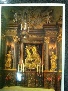 Postcrossing LT-110738 - Painting of the Blessed Virgin Mary Mother of Mercy in Vilnius. Sent by Postcrosser in Lithuania